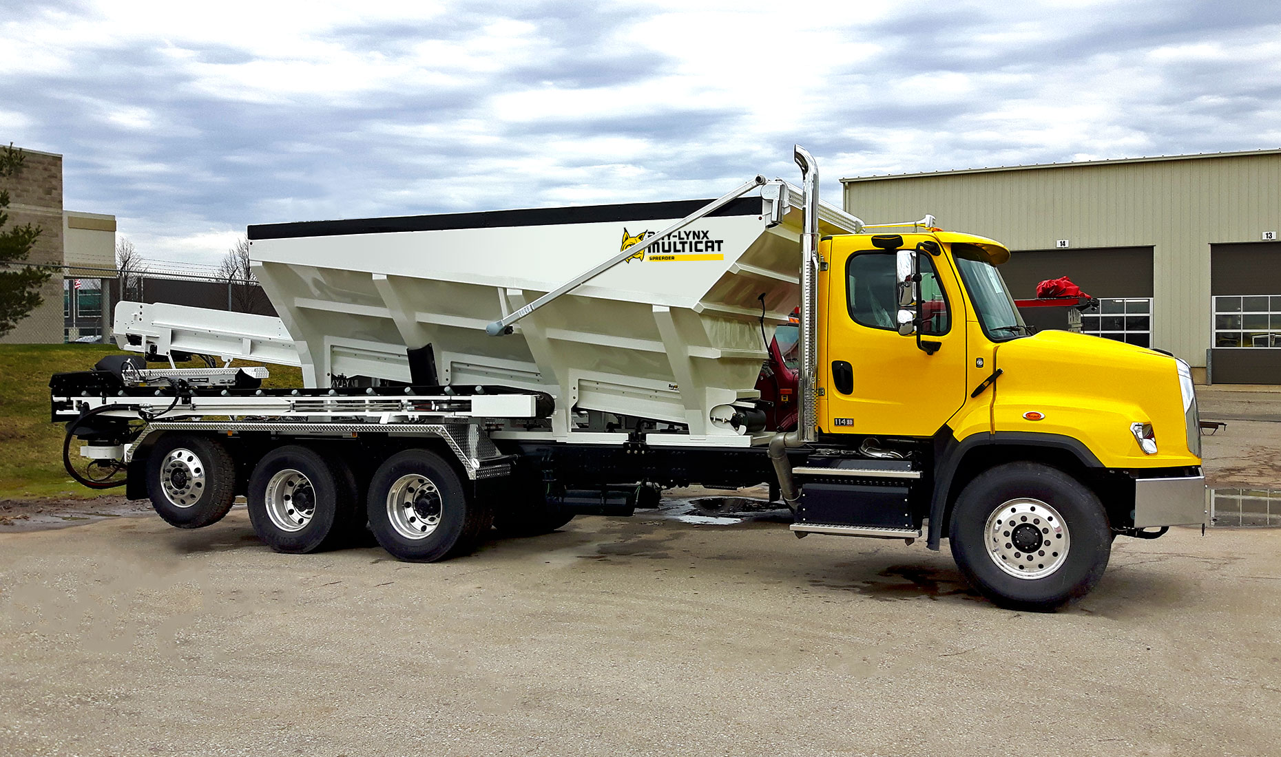 stone spreaders construction bay lynx manufacturing